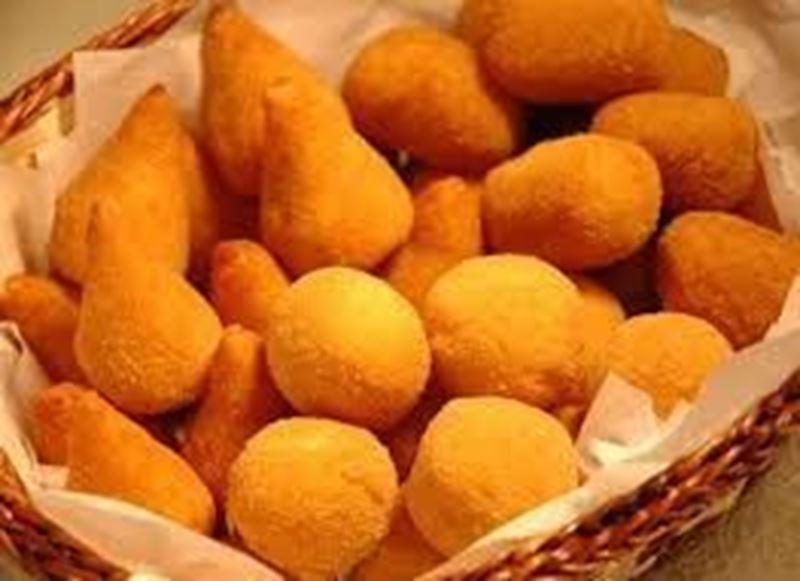 Kit Festa 2 - 20 pessoas (2Kg de bolo, 100 doces, 100 salgadinhos, 2 baguetes de metro).